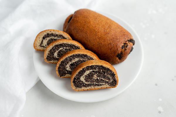 Poppy seed keto-rolls