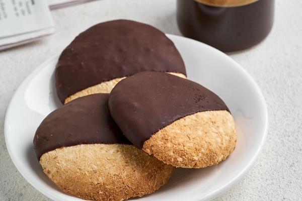 Кето-печенье кокосовое в шоколадной глазури